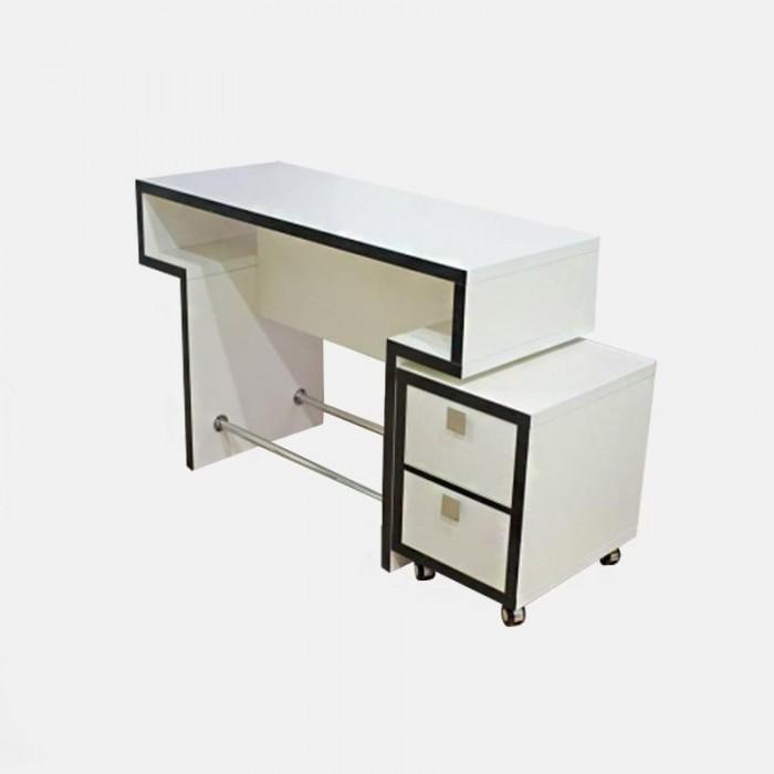Маникюрный стол Квадро без тумбы С
